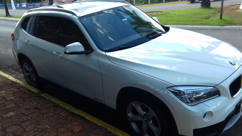 BMW X1 2.0i 4x4 XDrive28i (aut) - Foto #3