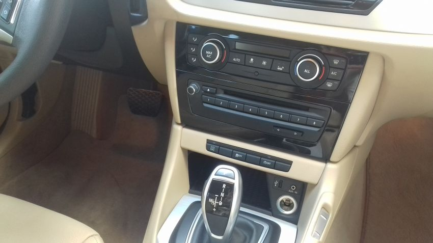BMW X1 2.0i 4x4 XDrive28i (aut) - Foto #4