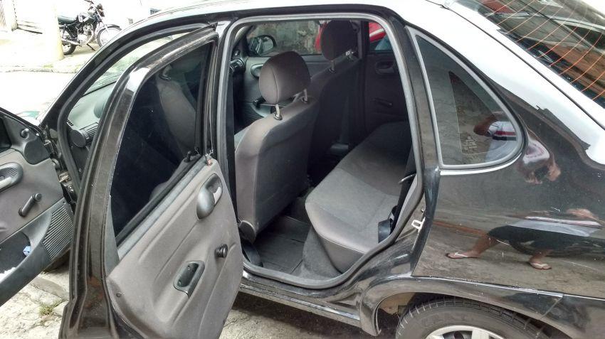 Chevrolet Corsa Sedan 1.0 8V - Foto #6