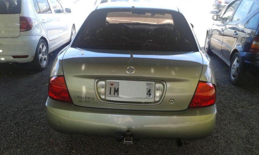 Nissan Sentra GXE 1.8 16V - Foto #1
