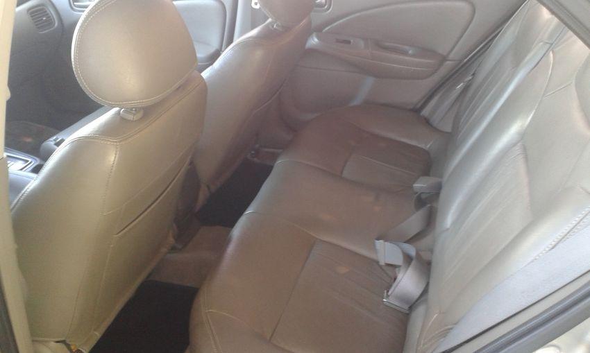 Nissan Sentra GXE 1.8 16V - Foto #7