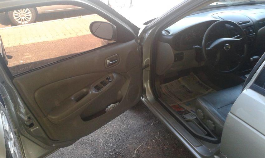 Nissan Sentra GXE 1.8 16V - Foto #9