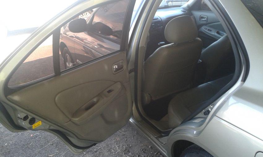 Nissan Sentra GXE 1.8 16V - Foto #10