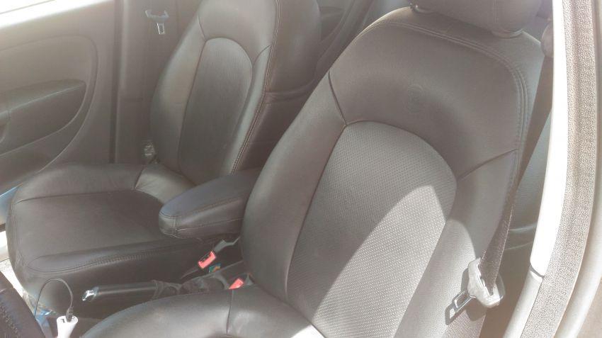 Fiat Punto Essence 1.8 16V Dualogic (Flex) - Foto #2
