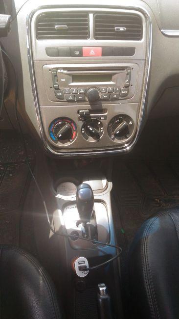 Fiat Punto Essence 1.8 16V Dualogic (Flex) - Foto #4