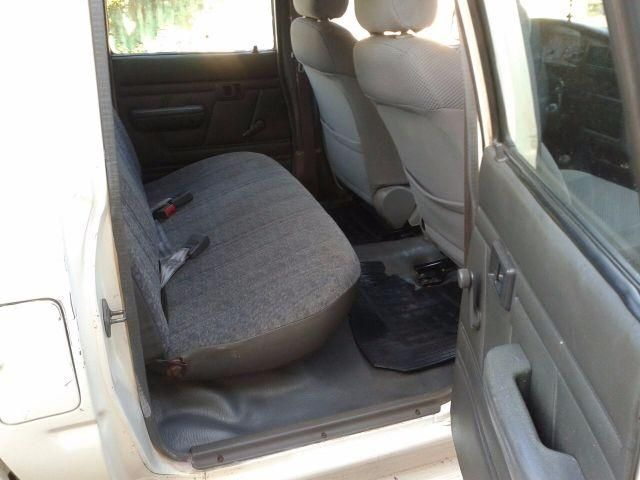 Toyota Hilux DX 4x4 3.0 (cab. dupla) - Foto #4