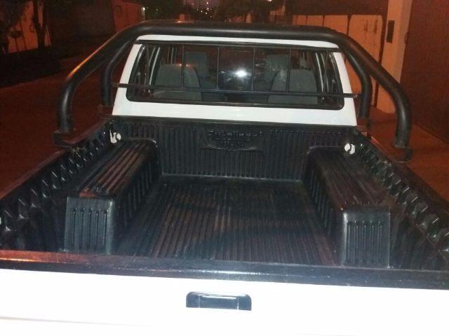 Toyota Hilux DX 4x4 3.0 (cab. dupla) - Foto #5