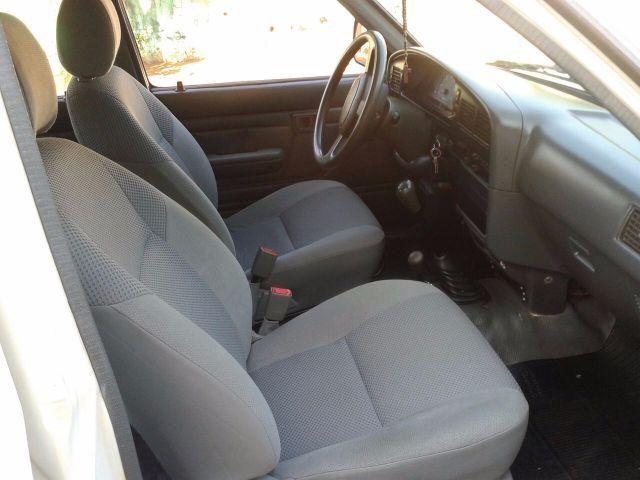 Toyota Hilux DX 4x4 3.0 (cab. dupla) - Foto #8