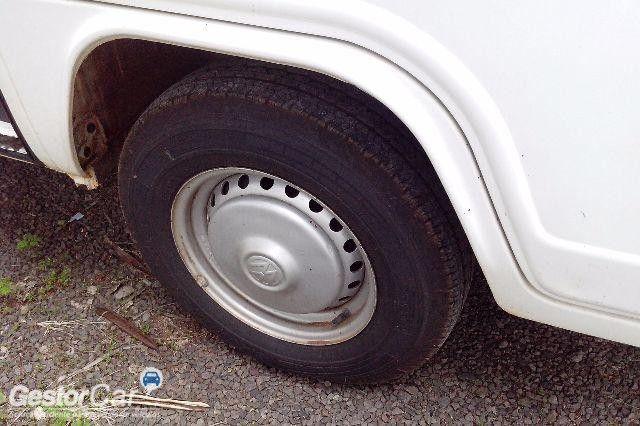 Volkswagen Kombi Standard 1.6 (Álcool) - Foto #7