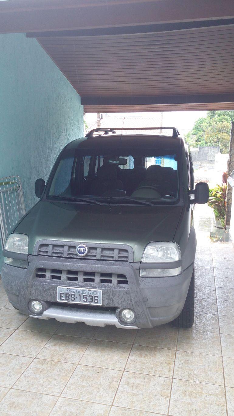 Fiat Doblò Adventure 1.8 8V - Foto #1