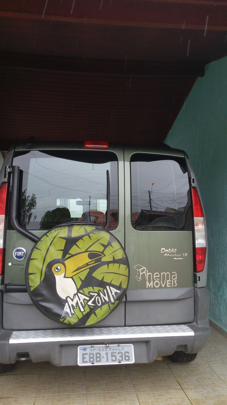 Fiat Doblò Adventure 1.8 8V - Foto #2