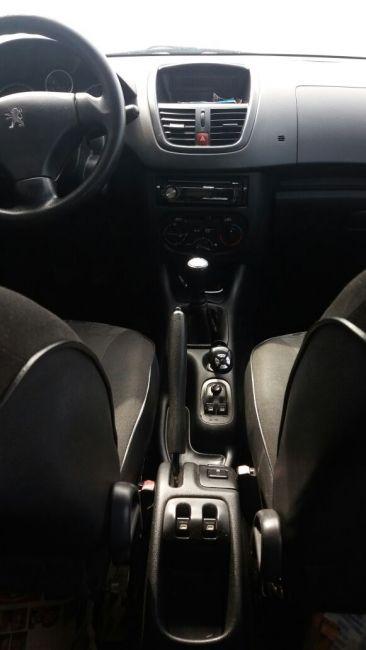 Peugeot 207 XR 1.4 (10 ANOS BRASIL)(Flex) 4p - Foto #1
