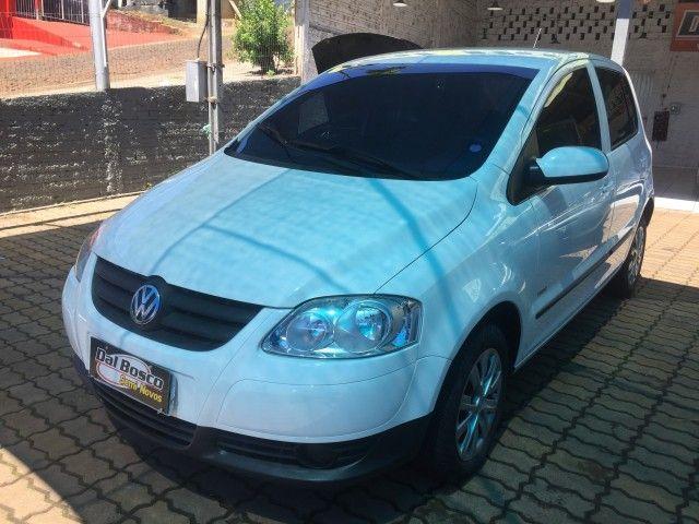 Volkswagen Fox Plus 1.0 8V (Flex) - Foto #1
