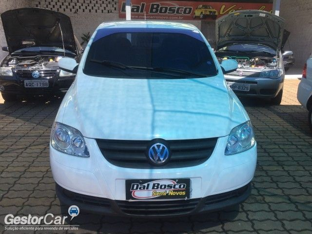 Volkswagen Fox Plus 1.0 8V (Flex) - Foto #8