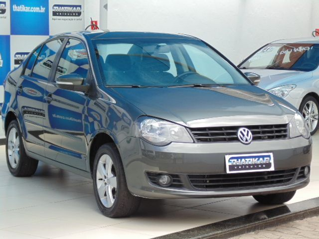 Volkswagen Polo Sedan 1.6 Mi 8V Total Flex - Foto #3