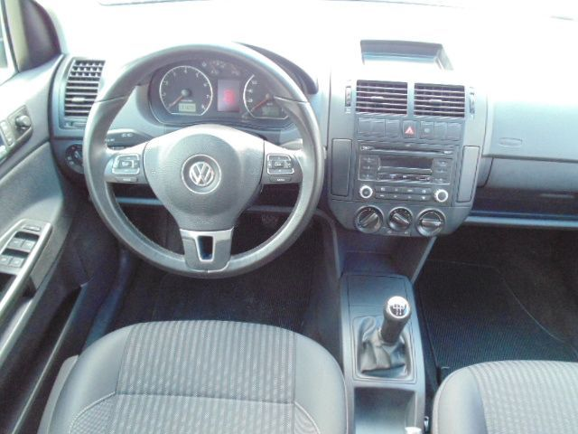 Volkswagen Polo Sedan 1.6 Mi 8V Total Flex - Foto #8