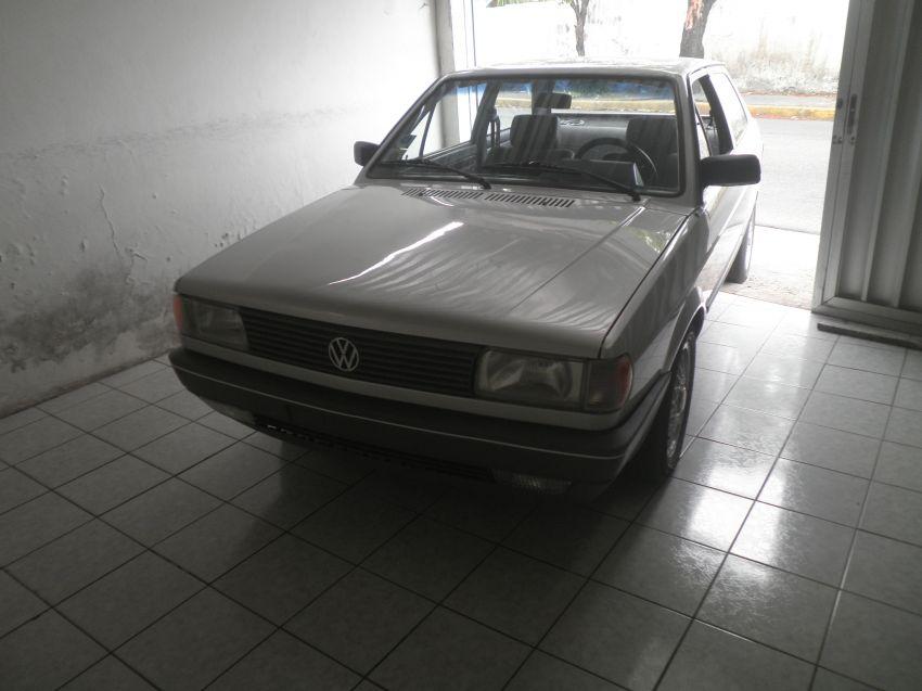 Volkswagen Voyage C 1.6 - Foto #1