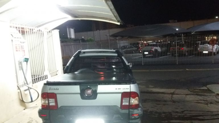 Fiat Strada Adventure Locker 1.8 16V E.TorQ (Cab Estendida) - Foto #3
