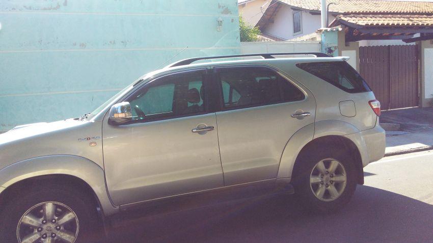 Toyota Hilux SW4 SRV 4x4 3.0 Turbo (aut)2 - Foto #1