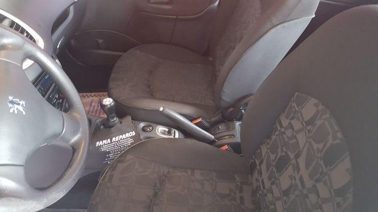 Peugeot 207 XR 1.4 (10 ANOS BRASIL)(Flex) 4p - Foto #2