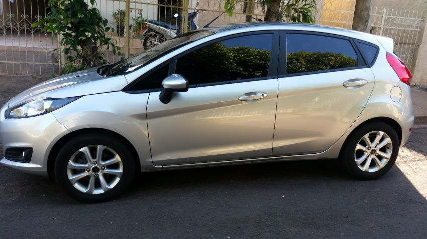 Ford New Fiesta 1.5 S - Foto #1