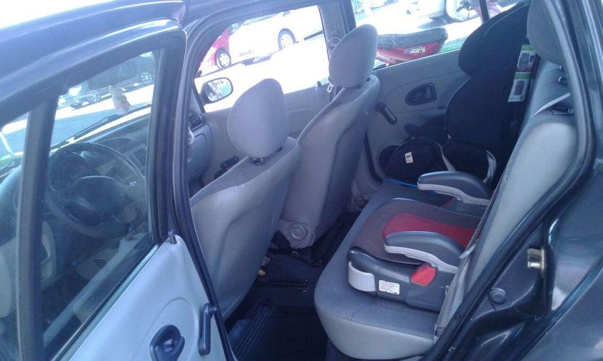 Renault Clio Sedan Rl 1.0 16V - Foto #4