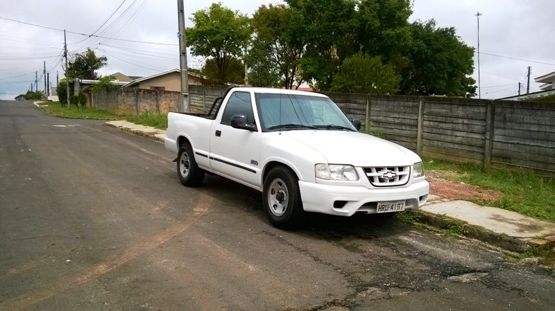 Chevrolet S10 Luxe 4x2 2.2 EFi (Cab Simples) - Foto #1