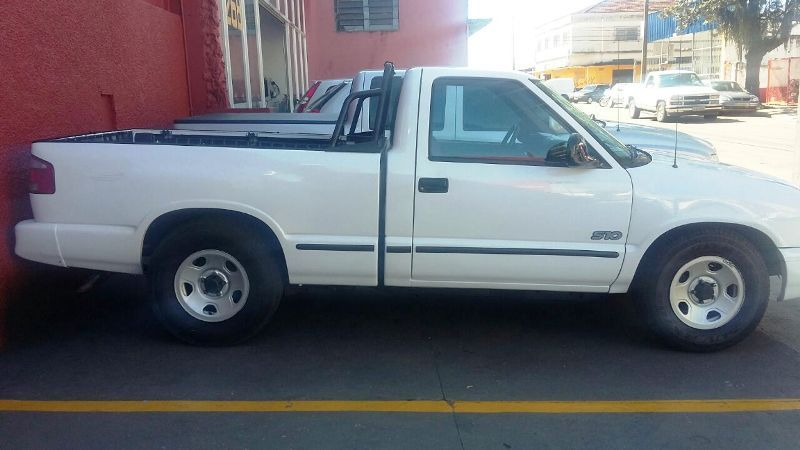 Chevrolet S10 Luxe 4x2 2.2 EFi (Cab Simples) - Foto #2