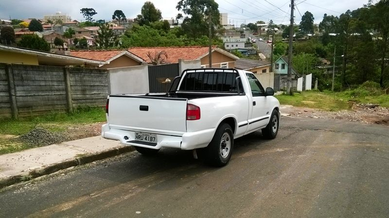 Chevrolet S10 Luxe 4x2 2.2 EFi (Cab Simples) - Foto #5