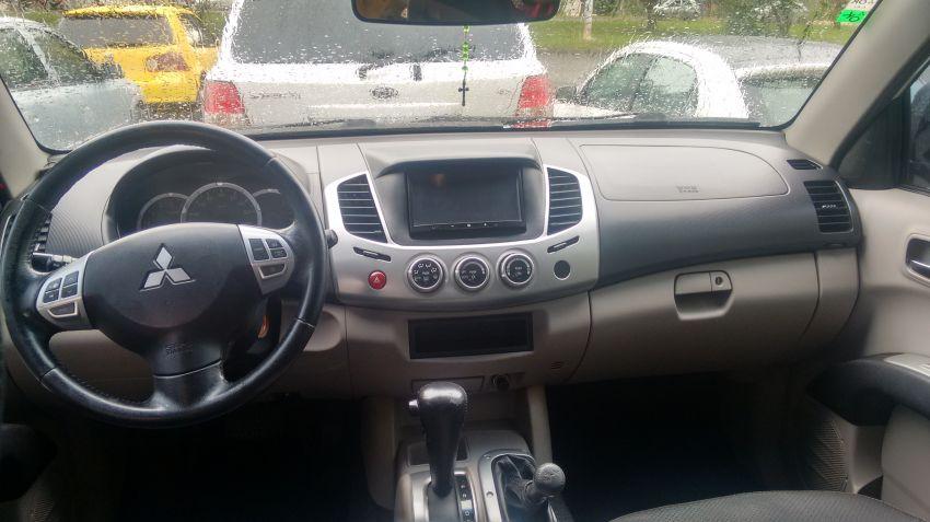 Mitsubishi L200 Triton Outdoor 3.2 DID-H HPE 4WD (Aut) - Foto #2