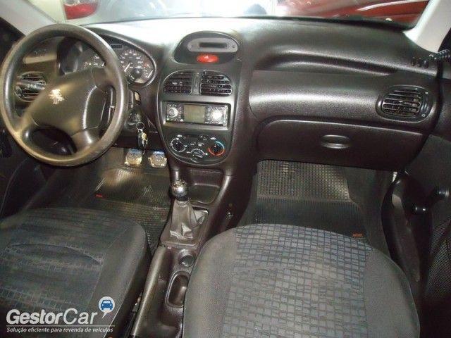 Peugeot 206 Hatch. Soleil 1.0 16V - Foto #5