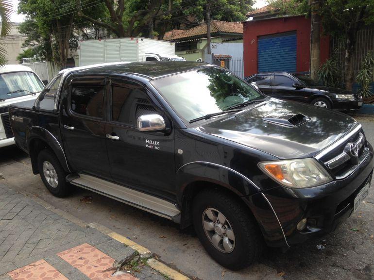 Toyota Hilux 3.0 TDI 4x4 CD SR Auto - Foto #3