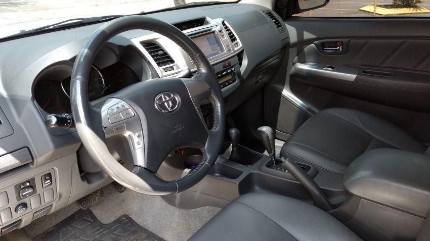 Toyota Hilux 3.0 TDI 4x4 CD SRV Top (Aut) - Foto #7