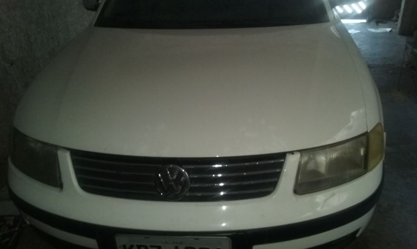 Volkswagen Passat 1.8 20V - Foto #1