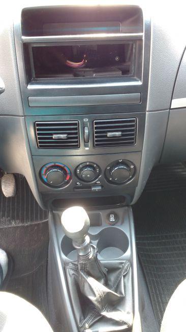Fiat Siena ELX 1.0 8V (Flex) - Foto #10
