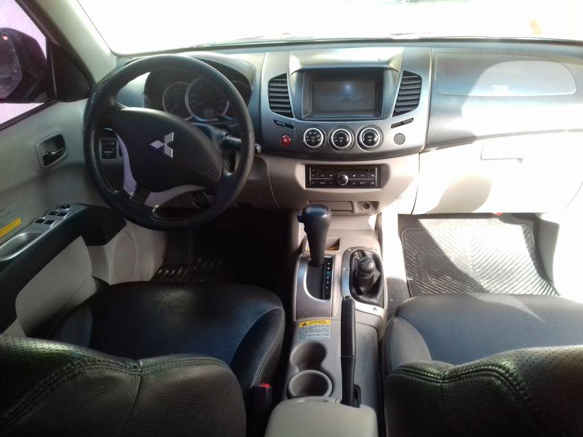 Mitsubishi L200 Triton 3.2 DID-H HPE 4WD (Aut) - Foto #5