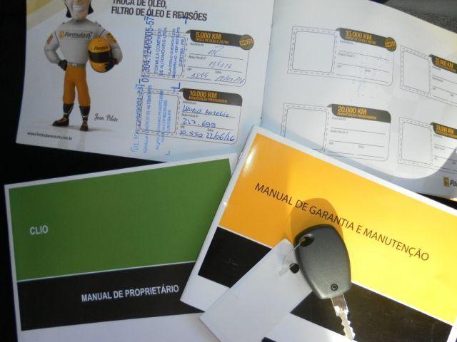 Renault Clio Expression 1.0 16V Hi-Flex - Foto #3