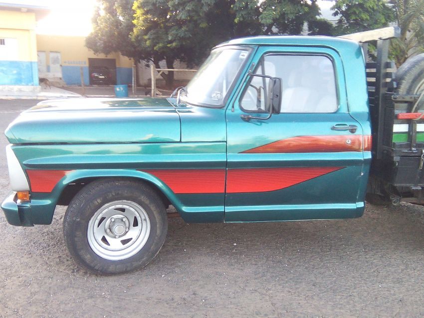 Ford F1000 Super Serie 3.9 (Cab Simples) - Foto #2