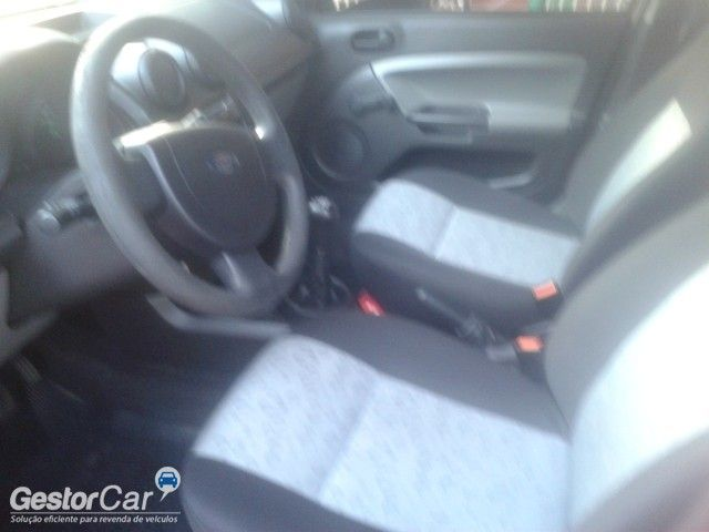 Ford Fiesta Hatch Trend 1.0 (Flex) - Foto #7