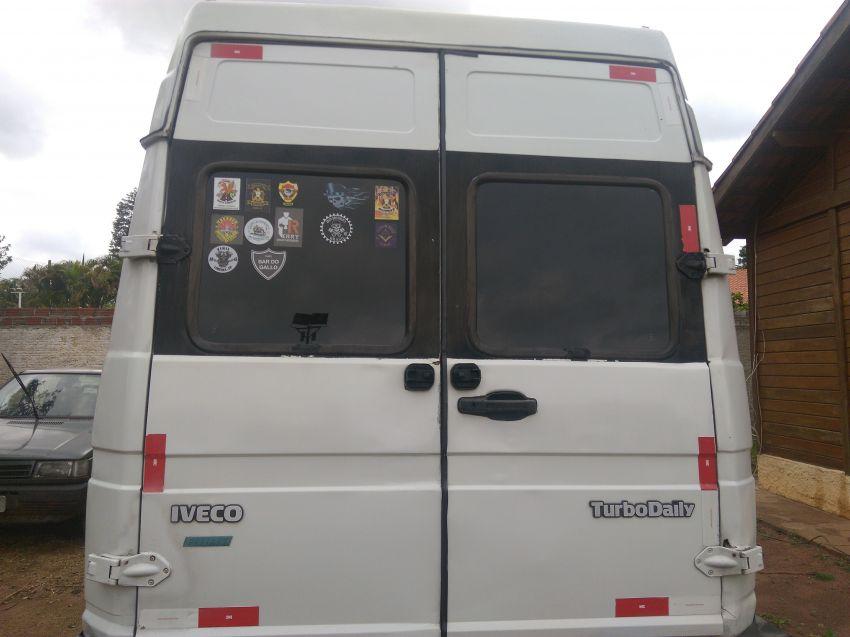 Iveco Daily 2.8 35.10 Chassi Cabine - Foto #2
