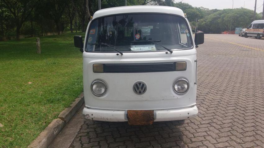 Volkswagen Kombi Carat 1.6 - Foto #1