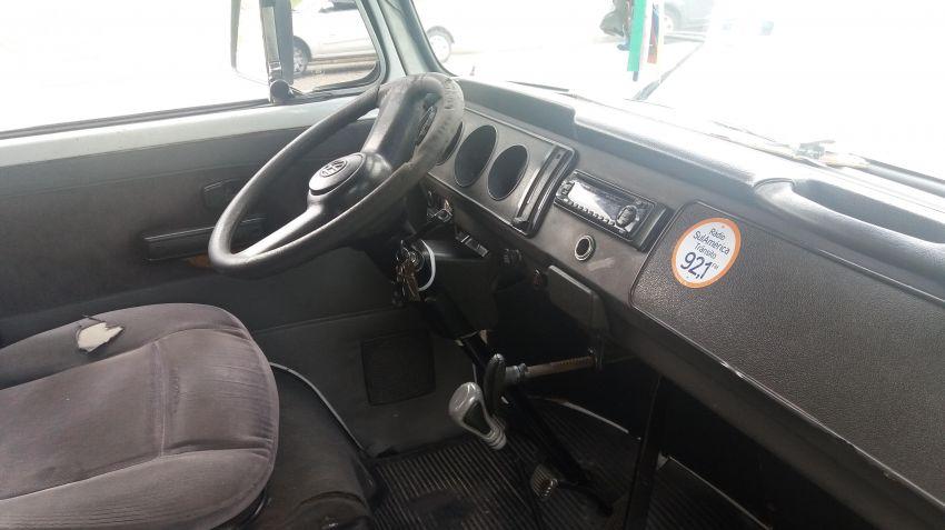 Volkswagen Kombi Carat 1.6 - Foto #5
