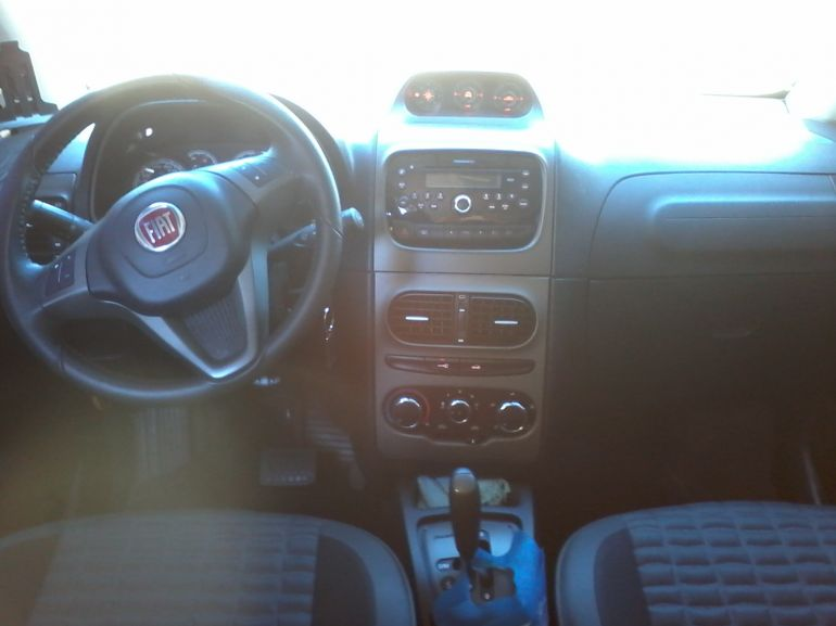 Fiat Idea Adventure Dualogic 1.8 (Flex) - Foto #5