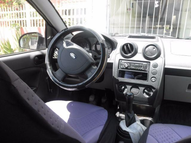 Ford Fiesta Sedan 1.0 Rocam (Flex) - Foto #6