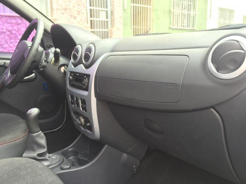 Renault Sandero Vibe 1.6 8V Hi-Torque (flex) - Foto #4