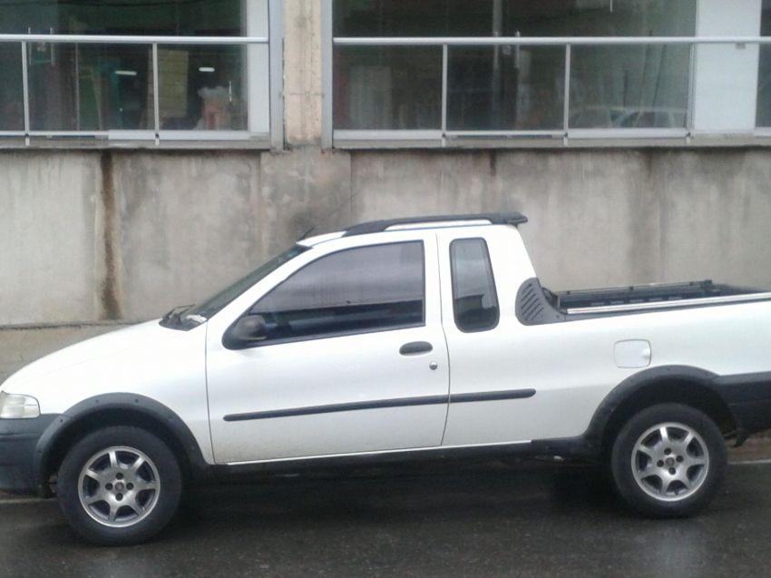 Fiat Strada Fire 1.4 (Flex) (Cab Estendida) - Foto #2