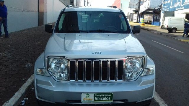 Jeep Cherokee Limited 3.7 V6 4WD - Foto #1
