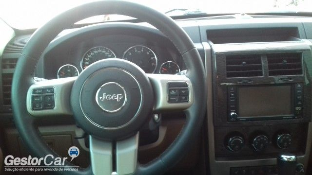 Jeep Cherokee Limited 3.7 V6 4WD - Foto #10