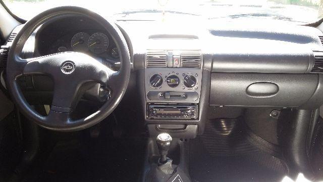 Chevrolet Corsa Sedan Spirit 1.6 - Foto #4