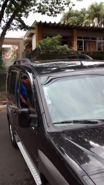 Fiat Doblò Adventure 1.8 (Flex) - Foto #2